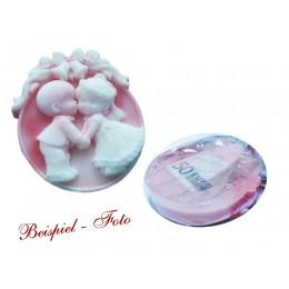 hochzeitsseife-weiss-rosa-brautpaar-einseifer