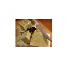 probestueck-marseiller-olivenoel-seife-olivenseife-einseifer