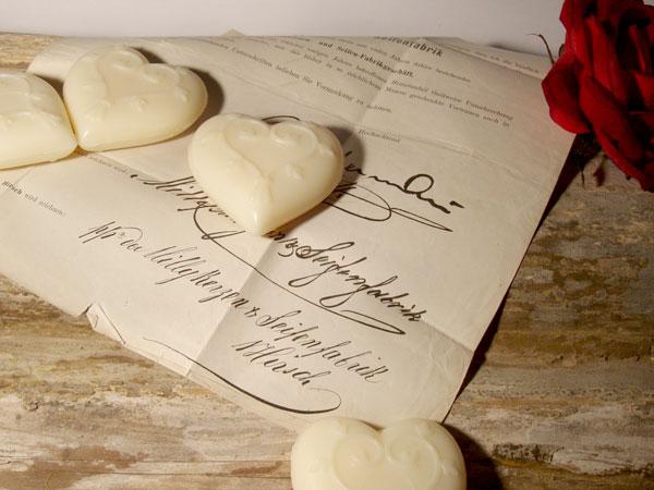 Herzen aus Schafmilchseife mit Wiener Duft